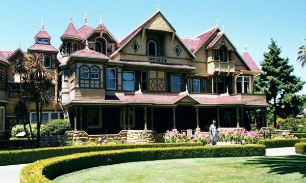 SARAH WINCHESTER E LA SUA MISTERY HOUSE